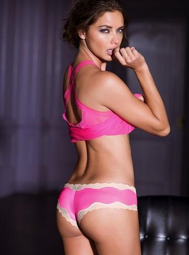 Adriana Lima پیپر وال containing a bikini entitled Adriana Lima