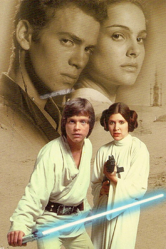 guerra nas estrelas wallpaper probably containing a sign entitled Anakin,Padme,Luke and Leia