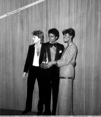 Backstage At The 1980 American música Awards