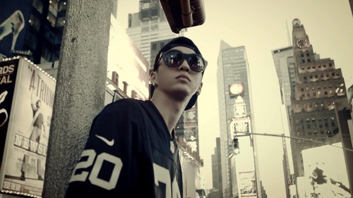 Bang Yong Guk wallpaper with sunglasses and a street entitled Bang Yong Guk
