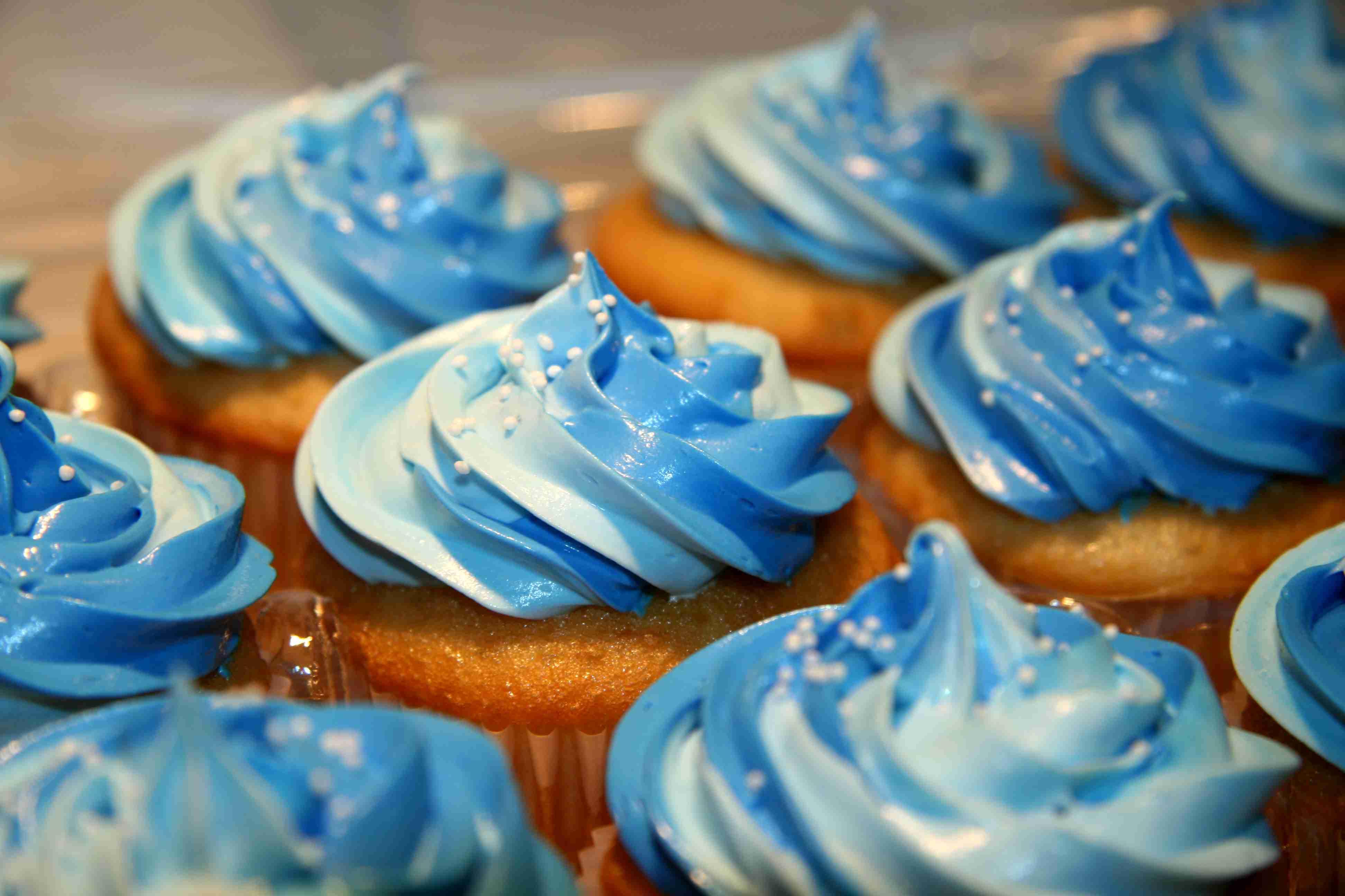 Blue Cupcake Images : Blue Cupcake - Colors Photo (35336004) - Fanpop