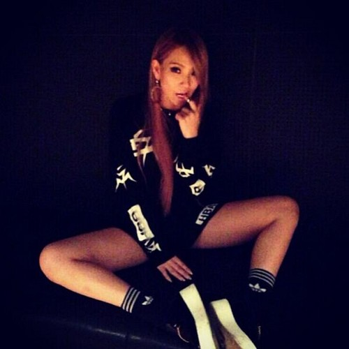 """CL's Instagram Update: """"#hmmm"""""""