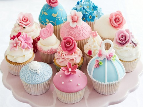 Colors wallpaper with a cupcake and a bouquet titled Colourful Cupcake