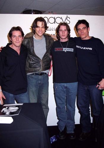 DKNY Jeans (2003)