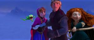 Дисней characters invasion in Холодное сердце