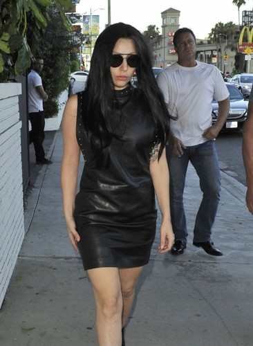 GaGa Arriving at kasteel, chateau Marmont, Los Angeles (August 17)