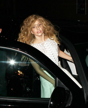 Gaga in NYC (Aug. 21)