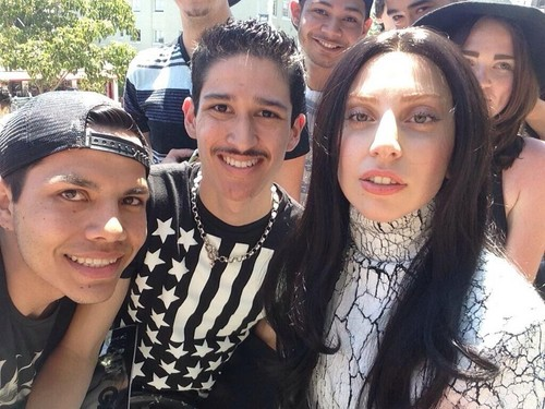 Gaga meeting fans in Los Angeles (Aug. 17)