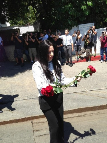Gaga meeting Фаны in Los Angeles (Aug. 17)
