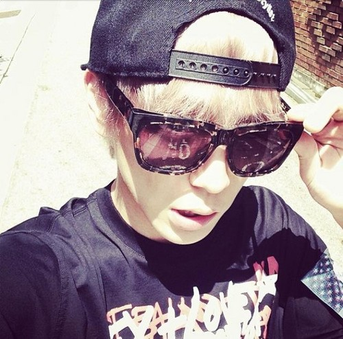 Instagram Update によって Himchan