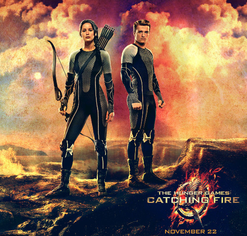 Peeta Mellark and Katniss Everdeen wolpeyper possibly containing a manganganyon and a smoke screen titled Katniss & Peeta-Catching apoy