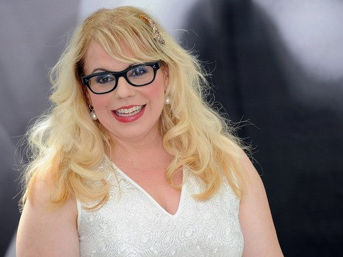 커스틴 뱅스니스 바탕화면 with sunglasses titled Kirsten Vangsness