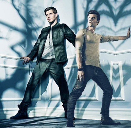 The Originals Hintergrund probably with a well dressed person and a hip boot called Klaus and Elijah