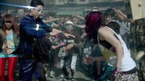 LMFAO- Party Rock Anthem {Music Video}