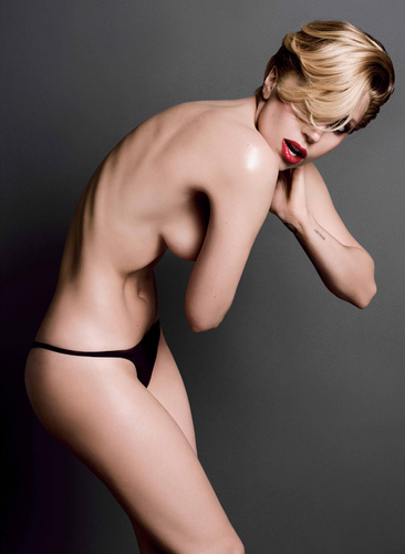 Lady Gaga for V Magazine kwa Inez and Vinoodh