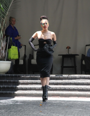 Lady Gaga leaves অট্টালিকা Marmont (August 15)
