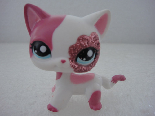 Littlest Pet boutique chats