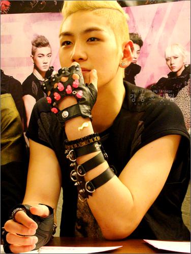 Ren - nuest foto (41842462) - fanpop