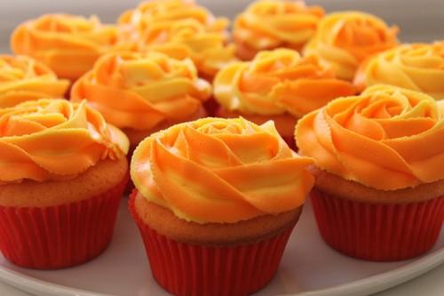 オレンジ カップケーキ