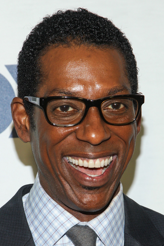 Orlando Jones earned a  million dollar salary, leaving the net worth at 3 million in 2017