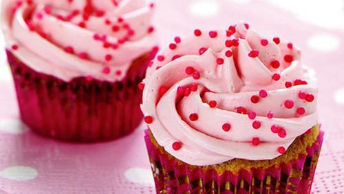 merah jambu cupcake, kek cawan