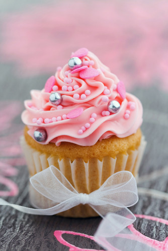 Cupcakes wallpaper containing a cupcake titled Pink Cupcakes ♥