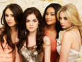 Pretty Little Liars ♥ - char-and-jezzi-%5E__%5E photo