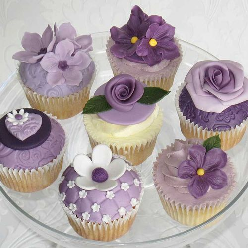 Cupcakes wallpaper containing a cupcake, a snap brim hat, and a bouquet entitled Purple Cupcakes ♥