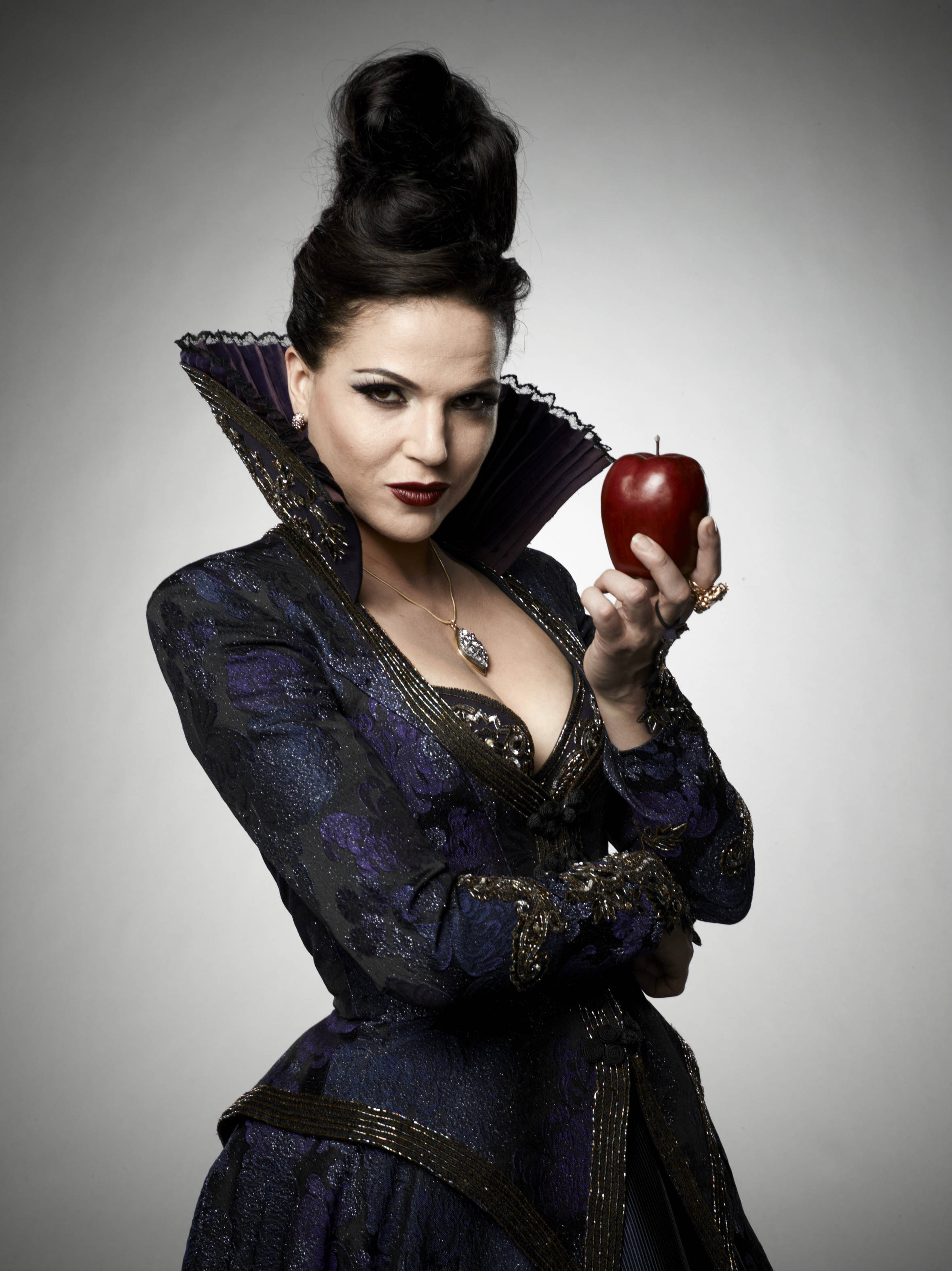 Jennifer morrison once upon a time 2