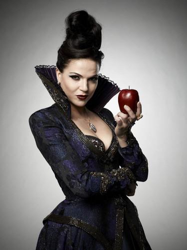 Ngày xửa ngày xưa hình nền titled Regina