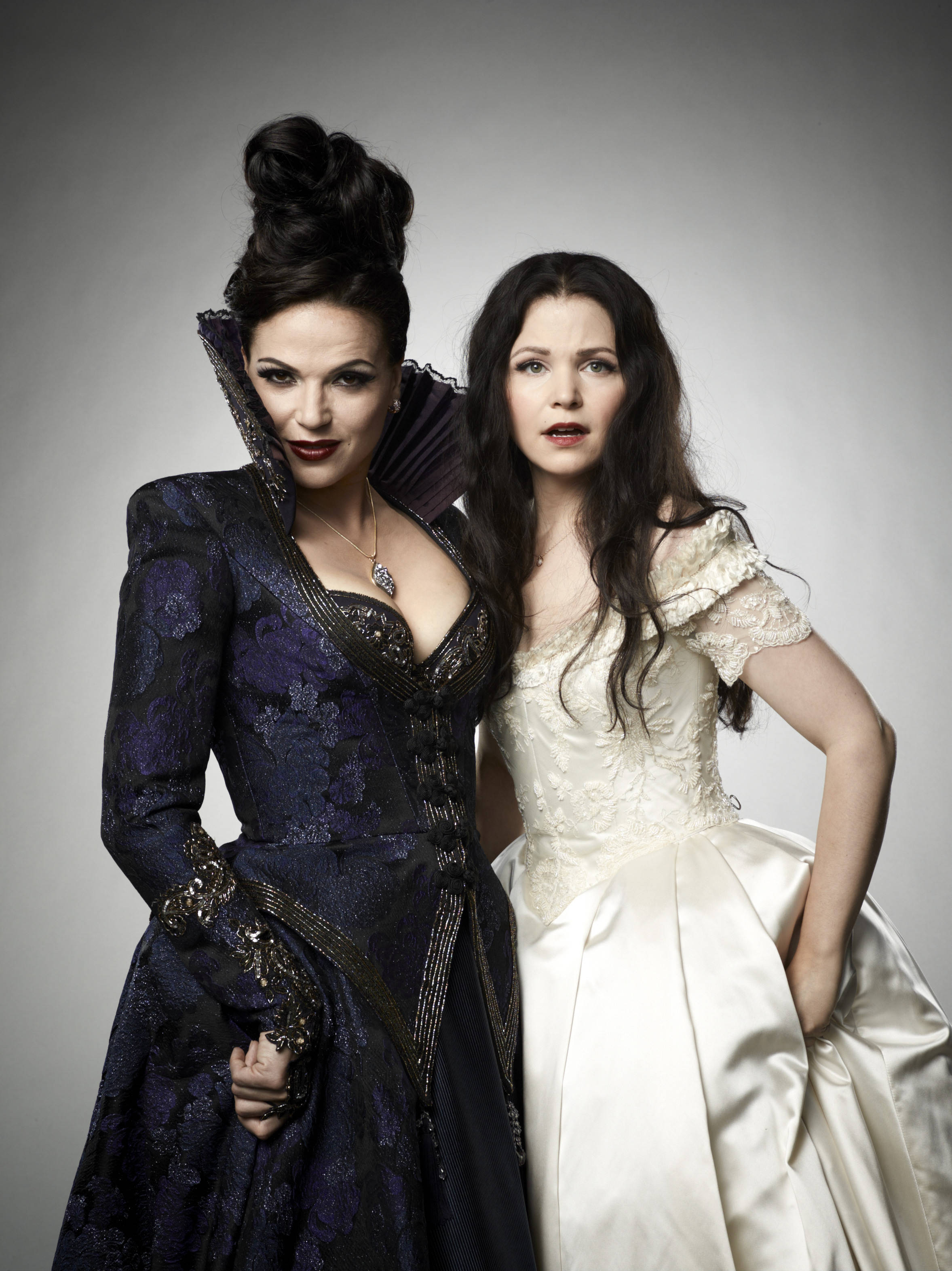 Regina once upon a time photo 35320835 fanpop page 17 for Snow white wedding dress once upon a time