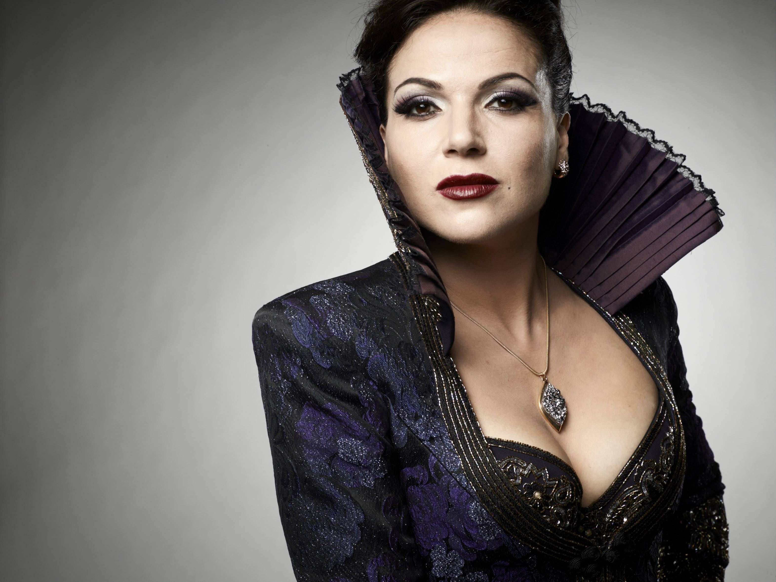 The Evil Queen/Regina Mills images Regina HD wallpaper and background photos