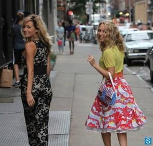 The Carrie Diaries season 2 - set foto-foto of Lindsey Gort and AnnaSophia Robb