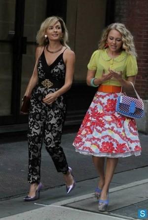 The Carrie Diaries season 2 - set photos of Lindsey Gort and AnnaSophia Robb