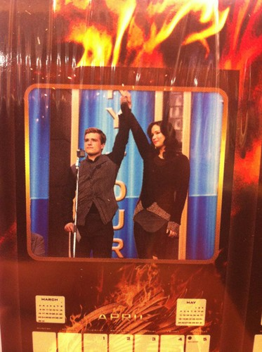 The Hunger Games: Catching आग calendar