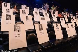 Vma seating arrangement