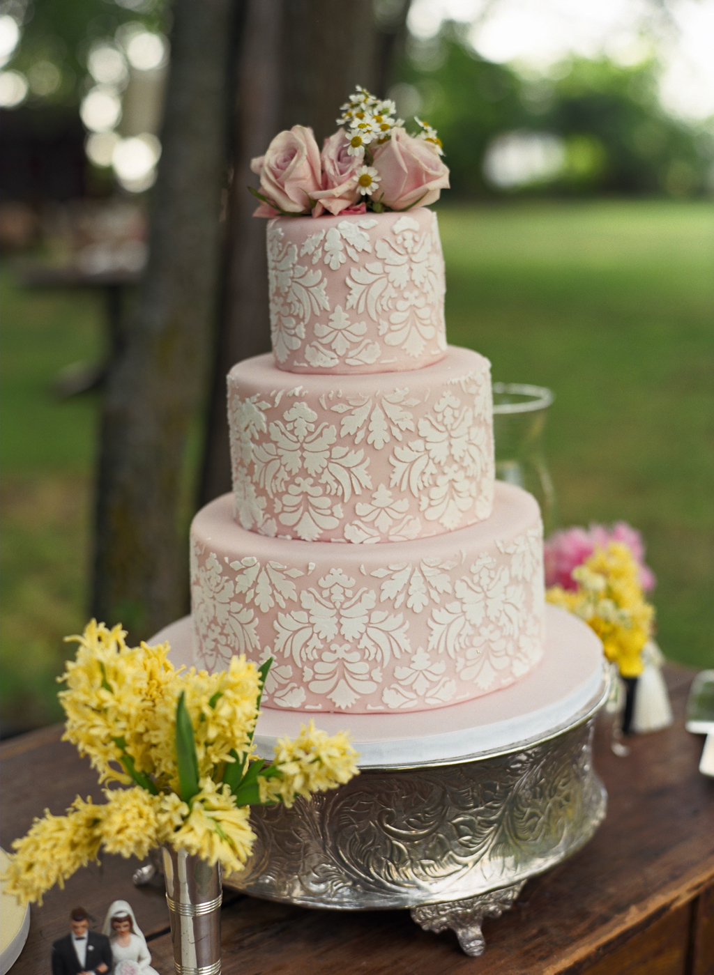 wedding cake photo: