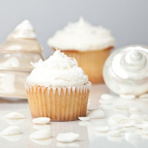 White petit gâteau, cupcake