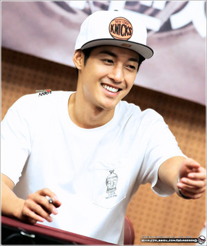 kim hyun joong sign