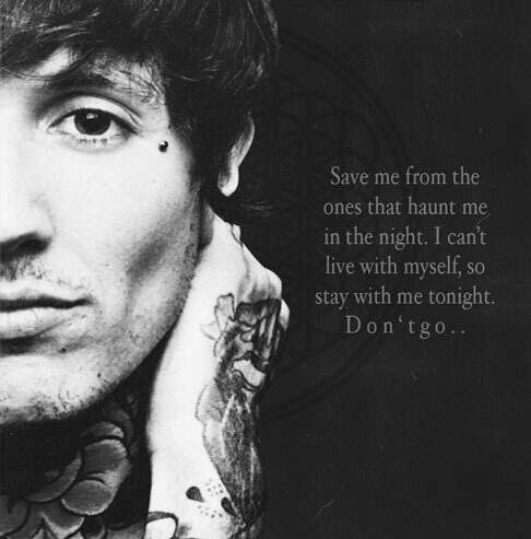 Bring Me The Horizon پیپر وال possibly containing a sign called <33