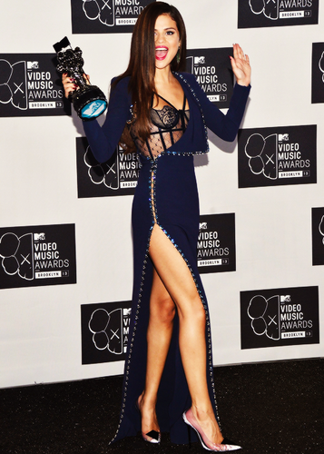 瑟琳娜·戈麦斯 壁纸 with a hip boot, tights, and a legging entitled #Selena #VMA