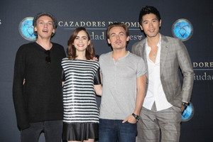 """The Mortal Instruments: City of Bones"" [Mexico - 08.26.13]"