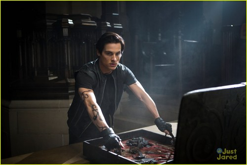 Alec & Magnus 壁紙 containing a cleaver entitled 'The Mortal Instruments: City of Bones' stills