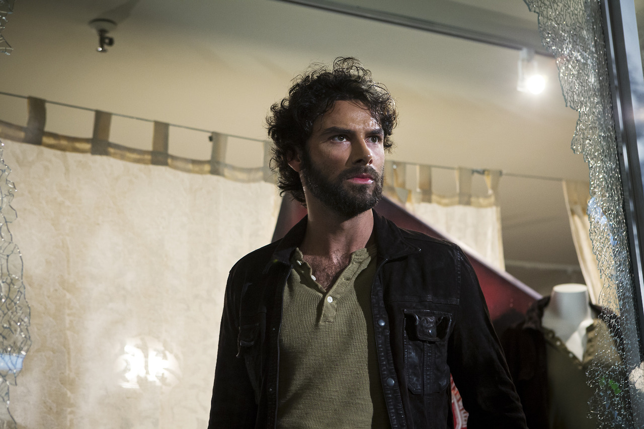 luke garroway images 'the mortal instruments: city of bones' stills