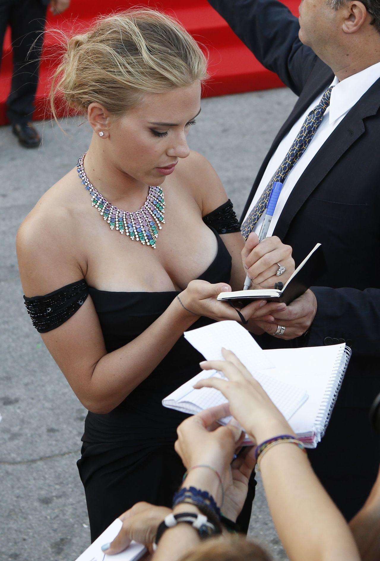 Scarlett Johansson Funny Memes