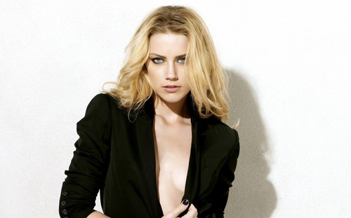 amber heard wallpaper with a well dressed person and a portrait called Amber wallpaper