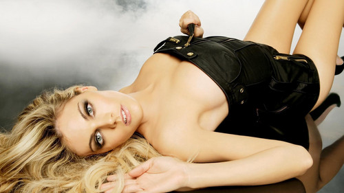 amber heard wallpaper possibly with attractiveness and skin called Amber wallpaper