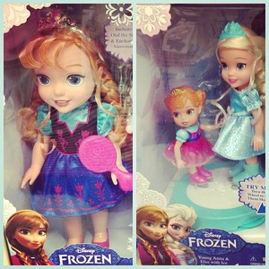 Anna and Elsa Toddler Puppen