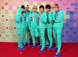 B.A.P at MBC Idol bintang Athletics Championship (130903)