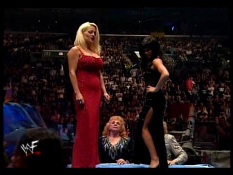Former WWE Diva & Miss TNA... Kathy Dingman achtergrond titled BB - Armadgeddon 1999